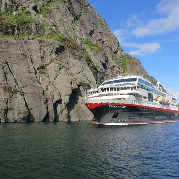 Hurtigruten - ecofriendly cruise line